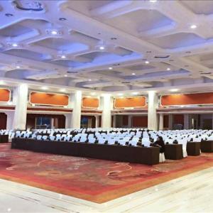鎮江潤州開業年會尾牙、晚會場地可以選擇常州白金漢爵大酒店